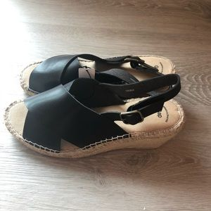 NWT Black/Tan Wedges